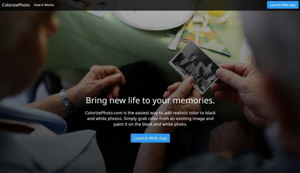 Screenshot of ColorizePhoto Colorize Program Website